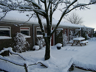 Appartementen in de sneeuw